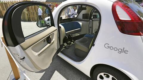 Vehículo autónomo presentado por Google en mayo de 2016.