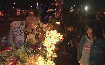 Miles participaron en una vigila en honor a Elías, el adolescente que mu...
