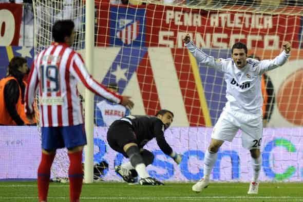 El 'Pipita Higuaín hizo el 3-0 que parecía definitivo.