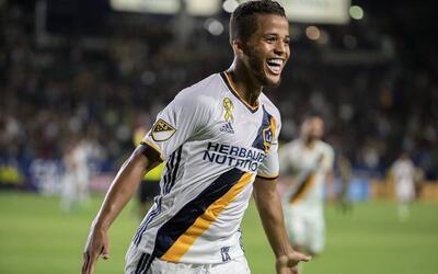 Gio dos Santos firmó una gran actuación en el empate 3-3 e...