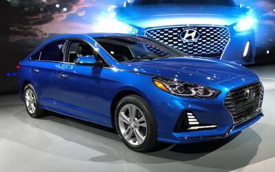 Video: El Hyundai Sonata 2018 aparece mejorado en el Auto Show de Nueva...