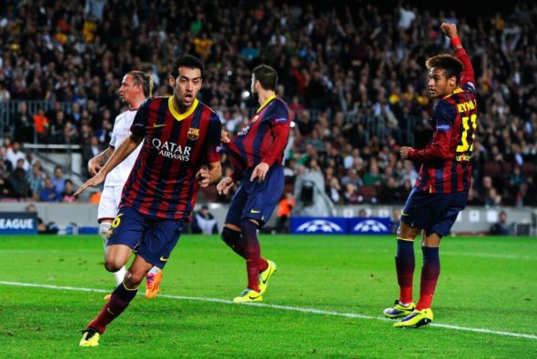 Sergio Busquets remató a placer con un cabezazo tras asistencia de Xavi.