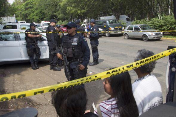 Una tercera víctima dijo que los golpeaban con una manguera entre...