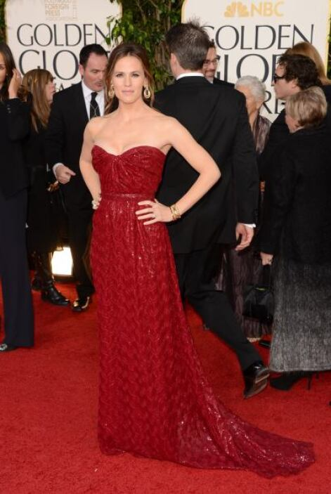Jennifer Garner llegó vestida de rojo, sin duda lució fabulosa, aunque l...