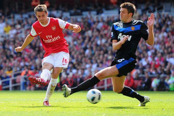 El primero de mayo del 2011, Arsenal y el Manchester United se enfrentar...