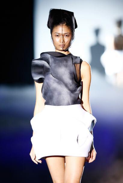 Existen otro tipos de falda con diseños muy futuristas. Si te gusta anda...