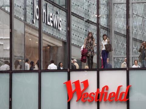 Al este de Londres de inauguró el centro comercial más gra...