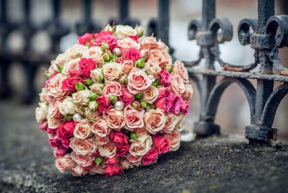 Camina al altar presumiendo un tupido y lleno de vida 'bouquet' repleto...