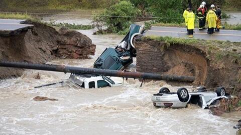 Las fuertes lluvias socavaron una carretera en Boulder, Colorado, en 2013.