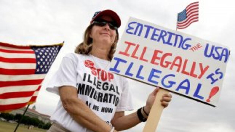 Imagen de una protesta antiinmigrante n Estados Unidos.