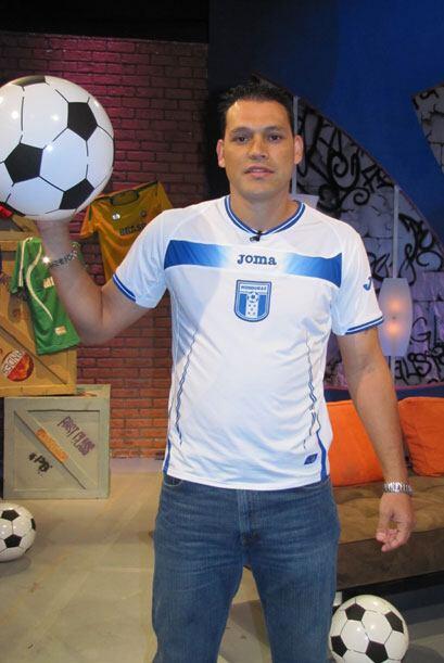 Honduras tiene un fuerte defensor, se llama Edgar Barrera y tiene 29 años.