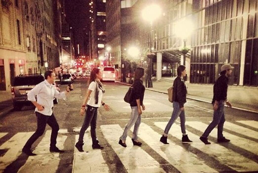 """#NYC #Friends #Beatles?"", mostró Ana. (Mayo 11, 2014)"