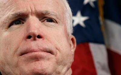 """McCain está sintiendo el """"efecto Trump"""" por no distanciarse de..."""