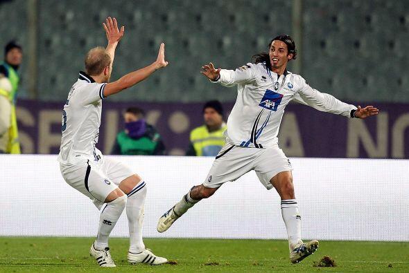 Andrea Masiello y Germán Denis fabricaron los goles del Atalanta, este ú...