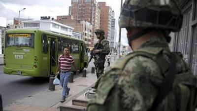 Juan Manuel Santos ordenó la militarización de la capital colombiana deb...