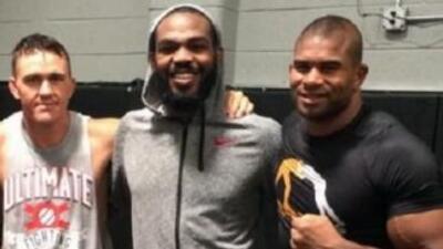 Jones y Overeem entrenan juntos (Foto: Twitter).