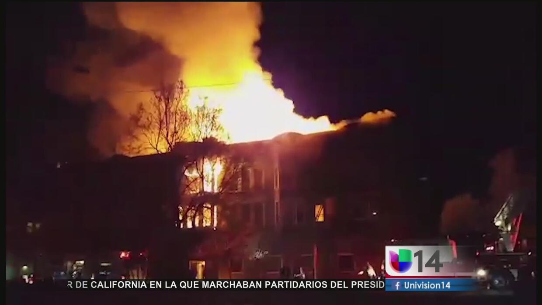 Voraz incendio deja tres muertos en Oakland