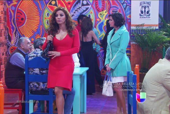 Irma y Araceli llegaron a la presentación de la banda nada más para arru...