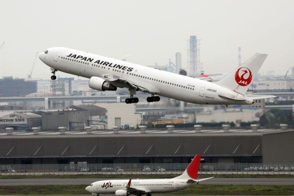 22- Japan Airlines sigue en el listado de fallecidos por operador de B3A...