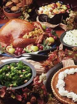 La mesa que designes para tener los alimentos debe estar libre de obstác...