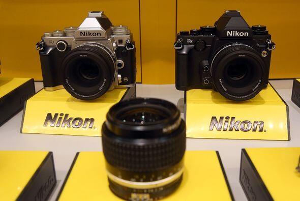 Nikon no se queda atrás y sigue innovando en el mundo de las cámaras fot...