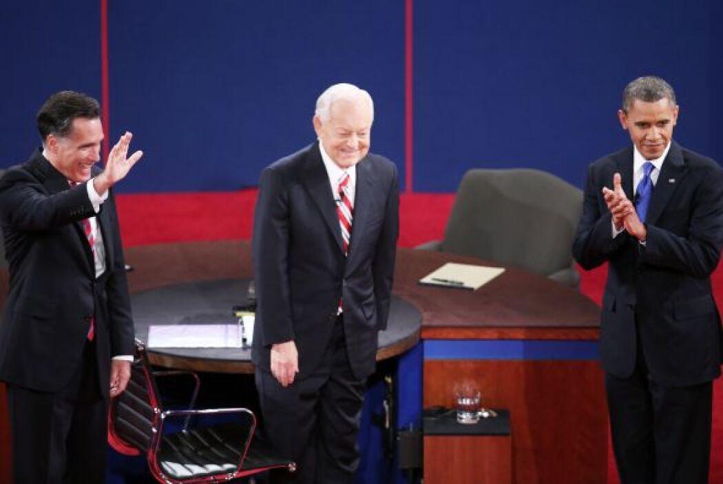 El moderador Bob Schieffer, de CBS News, planeó seis segmentos de 15 min...