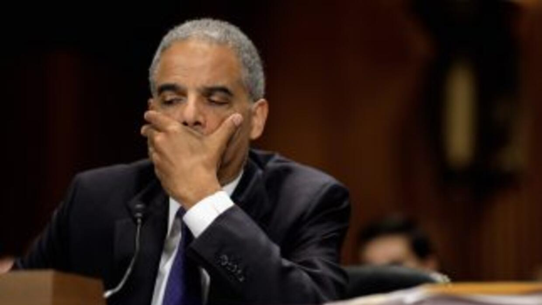 El Secretario de Justicia de Estados Unidos, Eric Holder, comparece ante...
