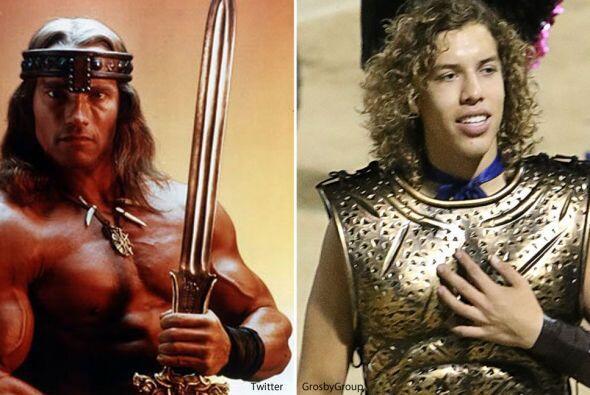 El hijo de Arnold Schwarzenegger apareció enfundado en una disfraz tipo...