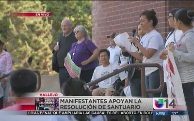 Manifestantes apoyan resolución de ciudad santuario en Vallejo