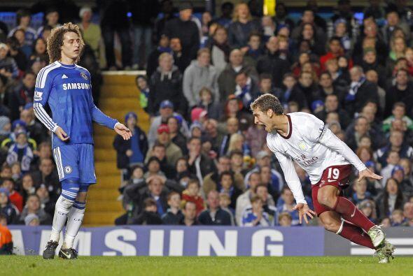 Y Aston Villa los hizo, le ganó 3 a 1 al Chelsea y lo dejó...