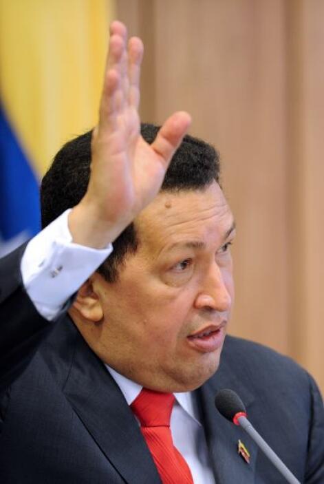 """9 de julio 2012 El mandatario aseguró estar """"totalmente libre"""" del cánce..."""