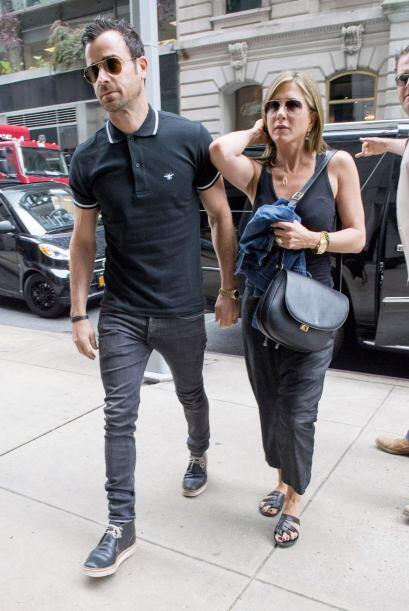 La feliz pareja fue captada al dejar su hotel en Nueva York tras asistir...