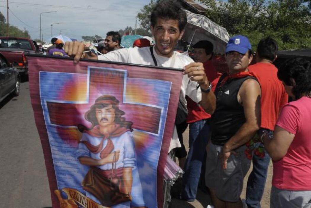 El culto del Gauchito Gil llega a  provincias más lejanas como la provin...
