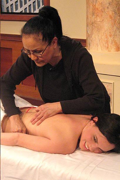 Los masajes son ideales para disminuir el estrés.