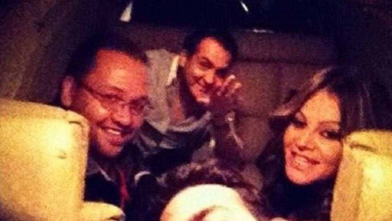 Esta es la última foto que el equipo de Jenni se tomó en el avión.