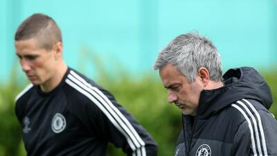 El técnico del Chelsea descartó que el 'Niño' esté cerca de volver con l...