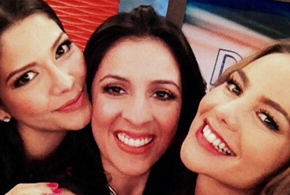 """""""#Selfie de #viernes con @anapatriciatv @ximenacordoba en @despiertaamer..."""