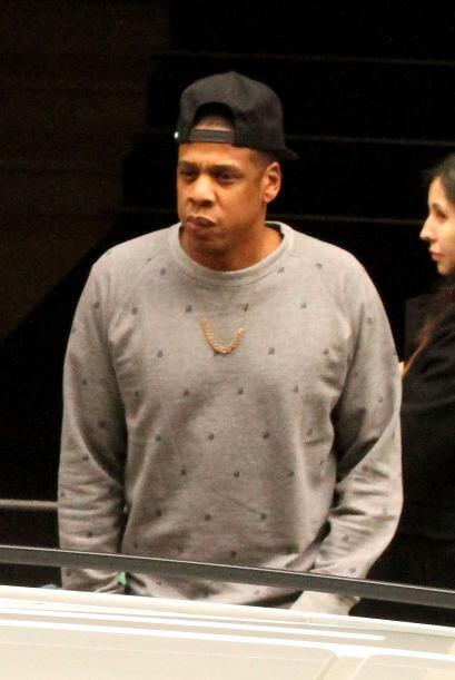 Jay Z optó por vestirse cómodo para pasear por Barcelona....