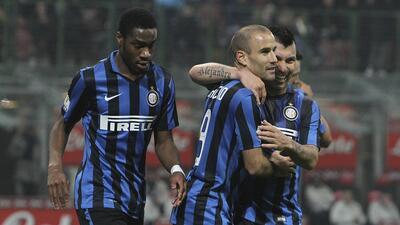 El Inter goleó a Cagliari en la Coppa Italia