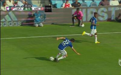 Para Kaká fue el oso de la noche cuando bajó un balón como maestro, lueg...