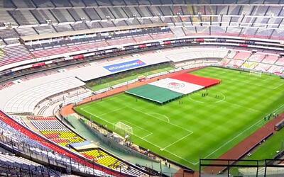 A horas del juego, en el Azteca se ensaya hasta la presentación de la ba...