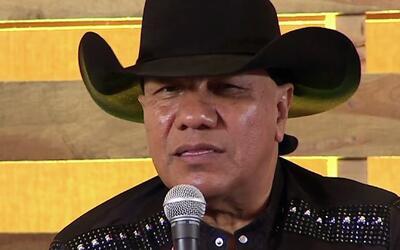 Lupe Esparza sabe que no es ningún Luis Miguel y está muy orgulloso de s...