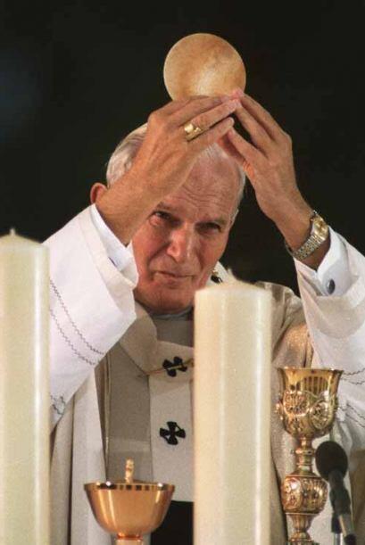 La candides de Karol Józef Wojty,a, nombre secular del Papa Juan...