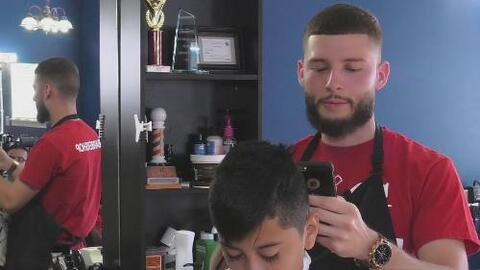 Conoce al peluquero que hace obras de arte en tu cabeza