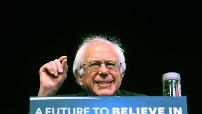 Bernie Sanders en un mitin en Atlantic City, Nueva Jersey, mayo 9, 2016.