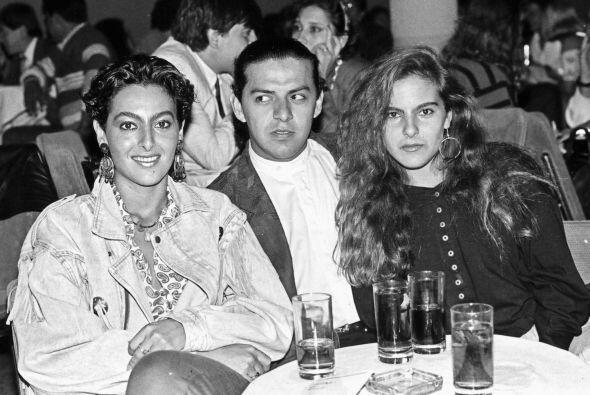 Kate del Castillo y su hermana Verónica, durante la celebración de una f...