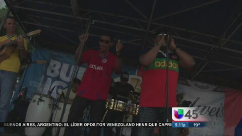 Fanáticos viven la pasión ante el encuentro México vs Venezuela