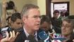 Jeb Bush hace campaña en escuela de la Pequeña Habana
