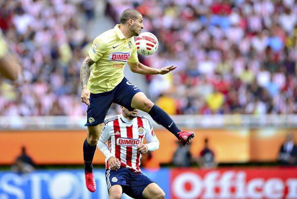 9.- Darío Benedetto: El delantero argentino tuvo un partido discreto, po...