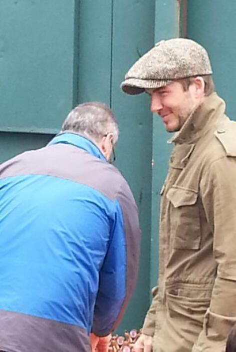 Si hay un héroe en este momento de carne y hueso, ese es David Beckham,...